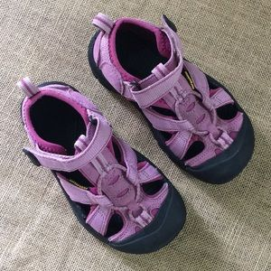 Keen girl waterproof sandals size 13 in pink